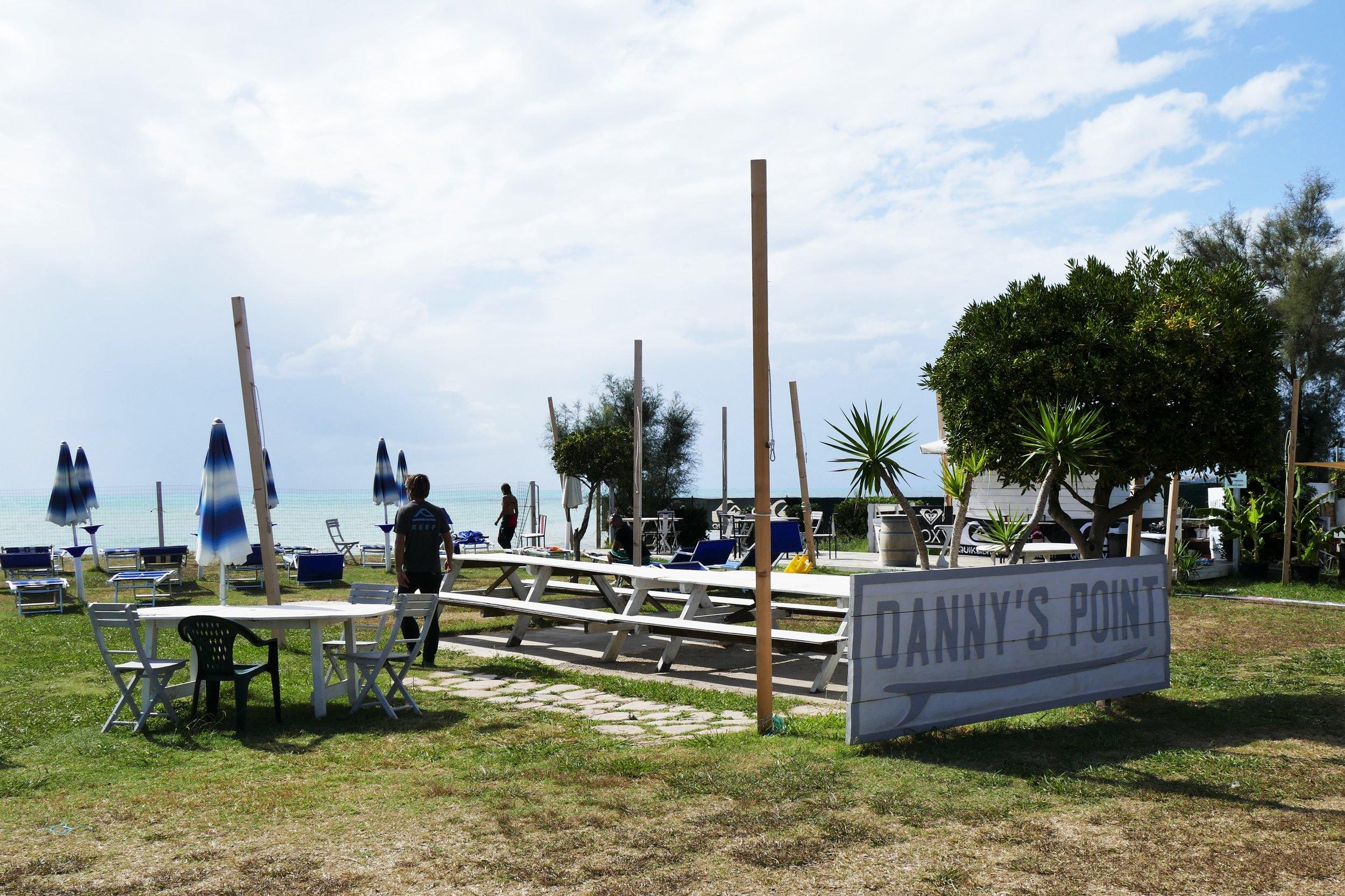 Danny's point - Banzai Beach, Rome, Italie
