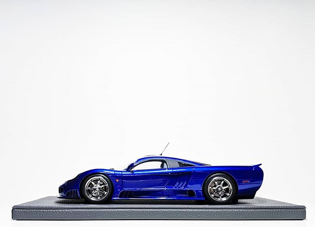 Shiny new toy. 💖  #topmarques @tm.collectibles #118scale #saleen #s7 #supercar #exoticcar #liveandletdiecast #lald #diecast #diecastcars #diecastcollector #diecastphotography #resin #Team118