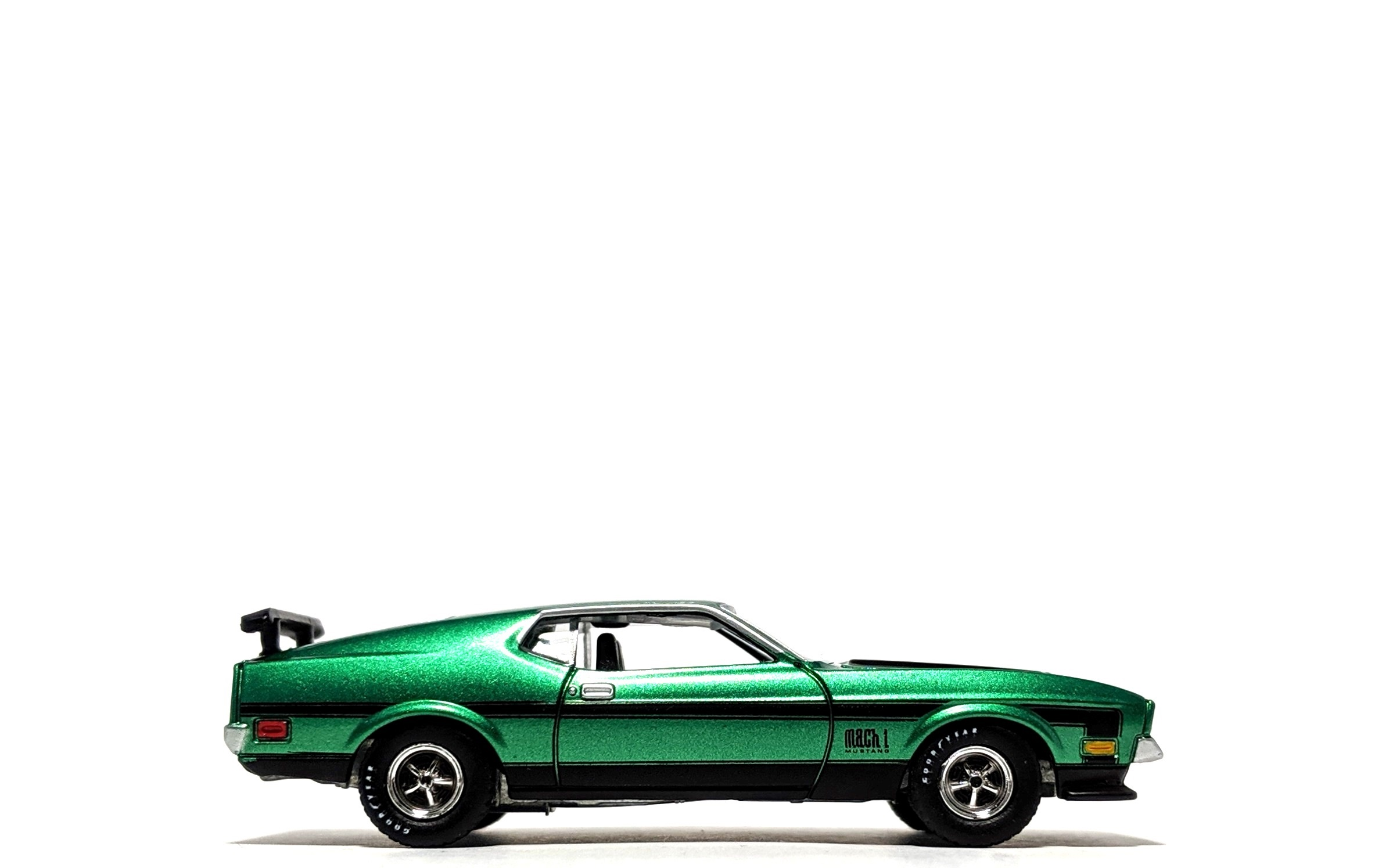 1971 Ford Mustang Mach 1 - Auto World