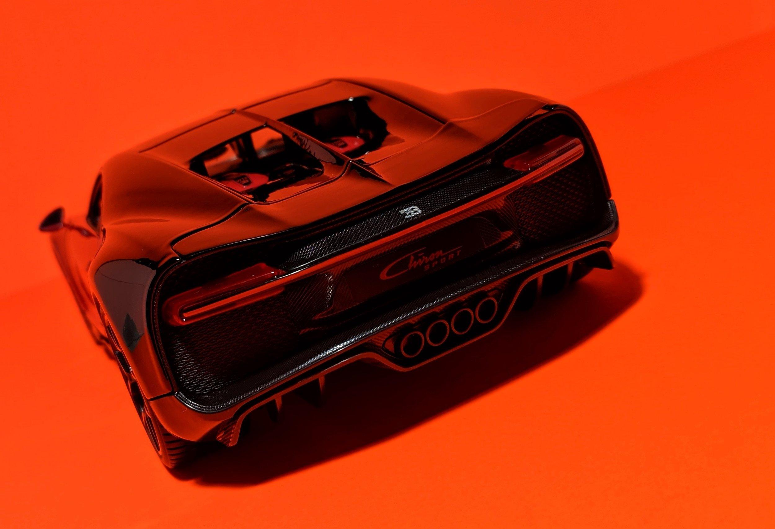bugatti-chiron-sport-maisto-118-11.jpg