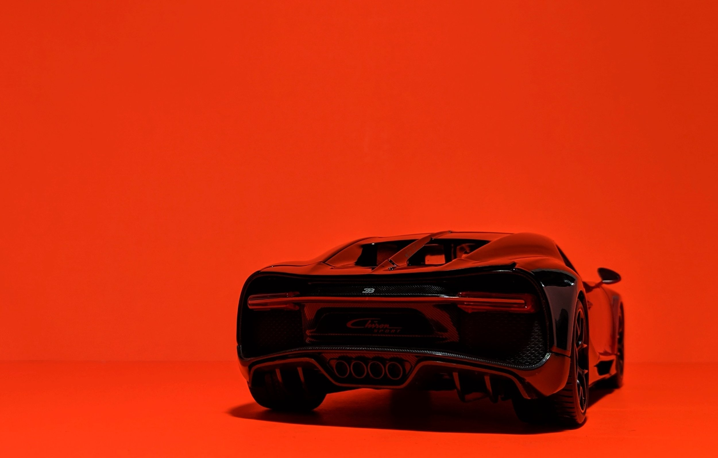 bugatti-chiron-sport-maisto-118-15.jpg