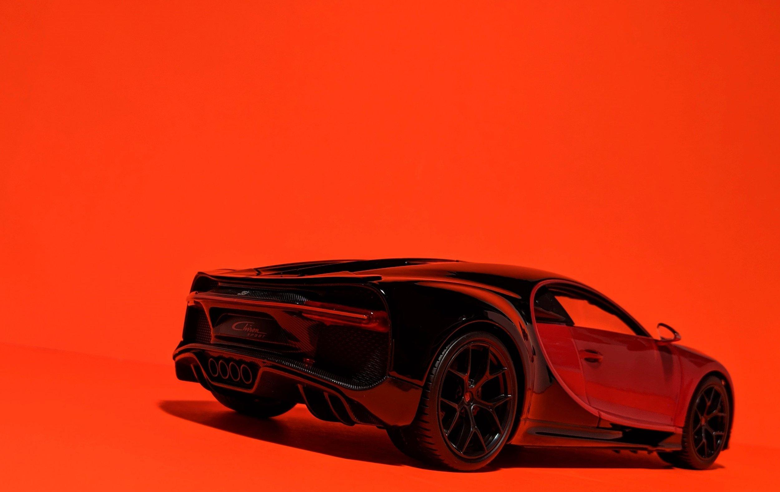 bugatti-chiron-sport-maisto-118-16.jpg