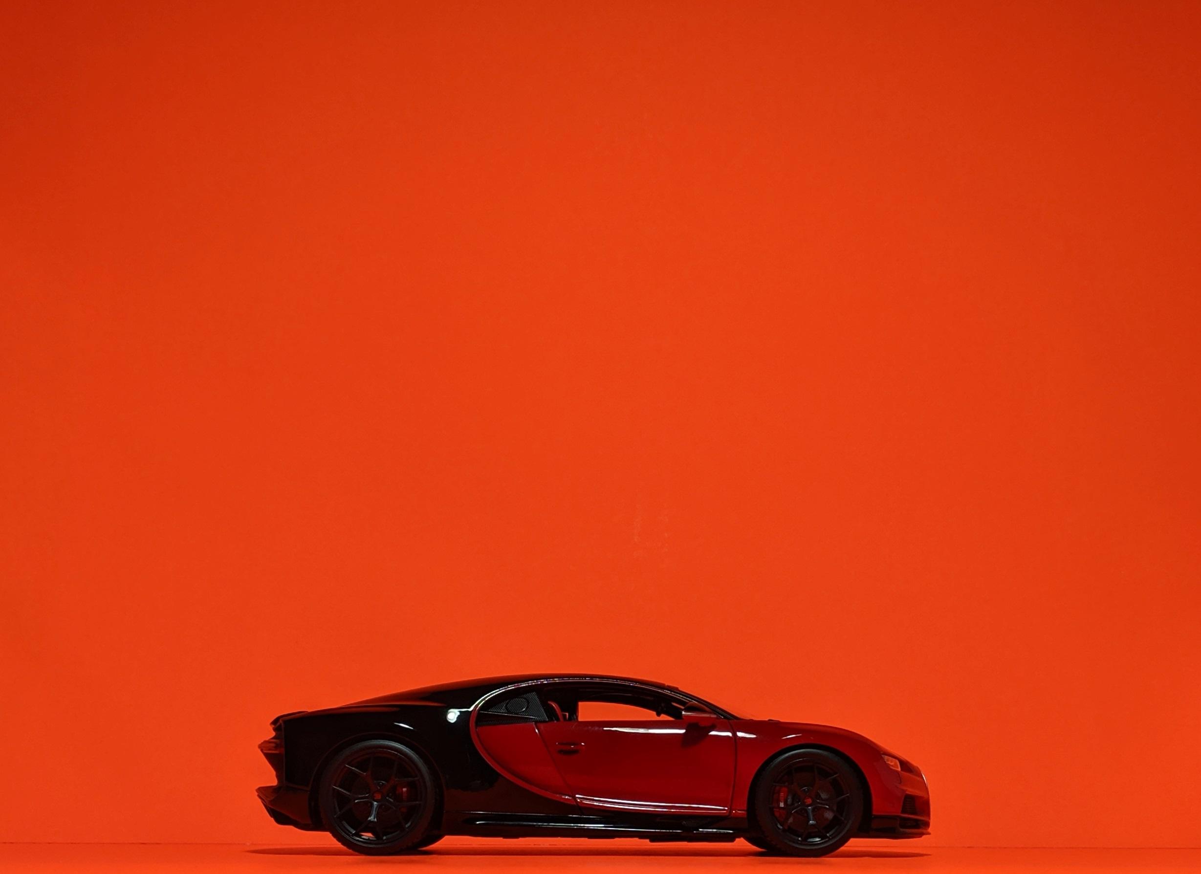 bugatti-chiron-sport-maisto-118-17.jpg