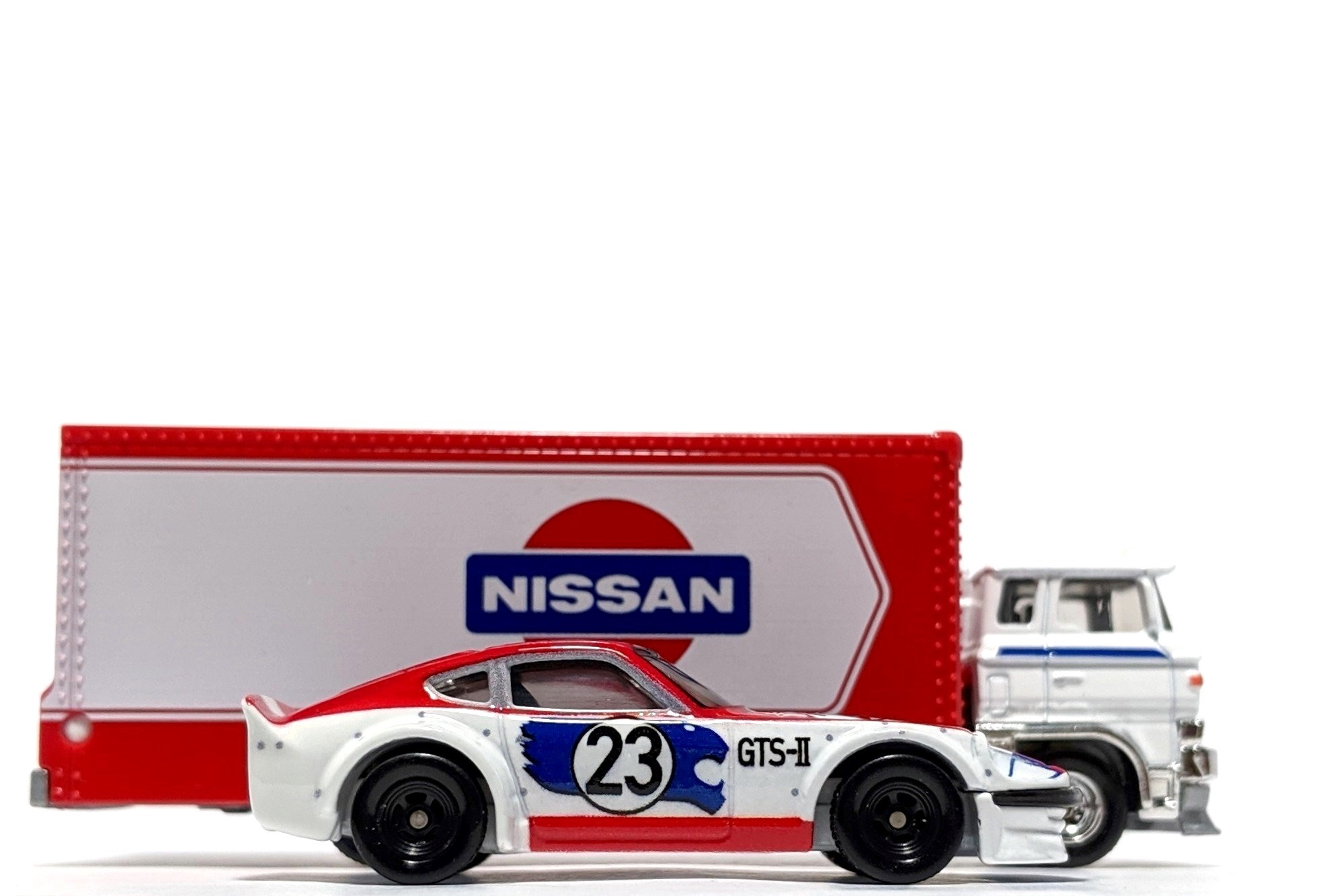 Nissan Fairlady Z & Sakura Sprinter, by Hot Wheels (Car Culture: Team Transport)