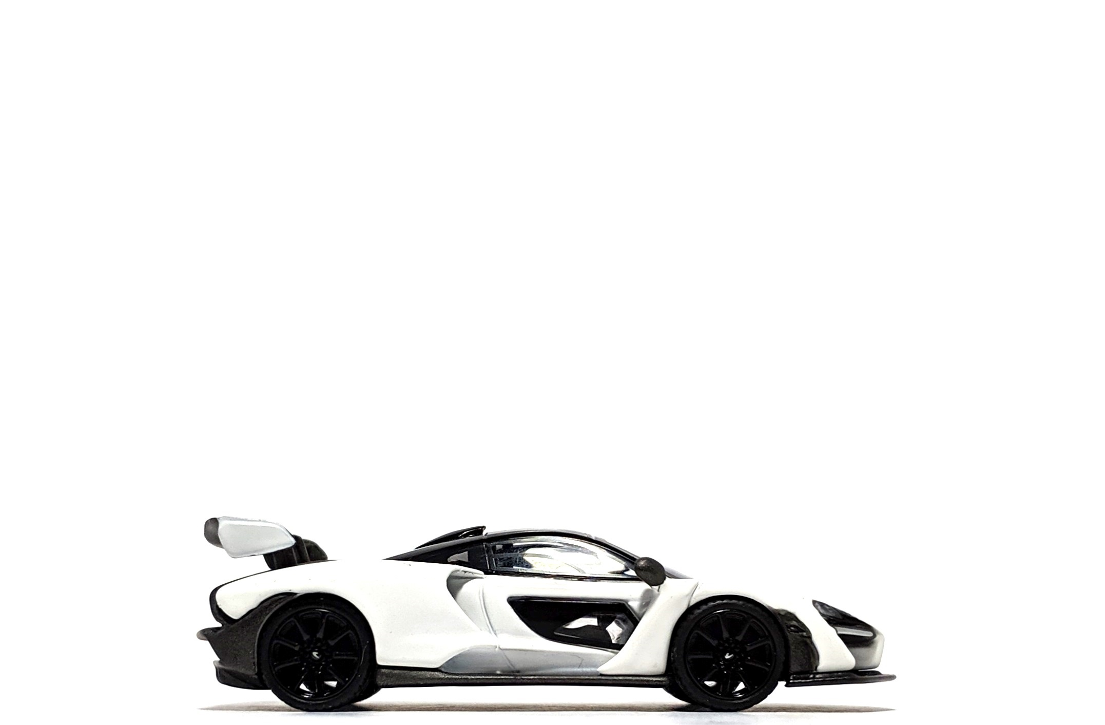 McLaren Senna in White (Hong Kong Exclusive), by Mini GT