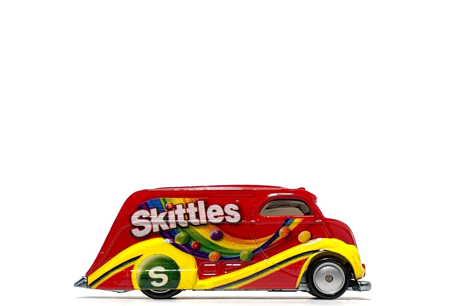 "Deco Delivery ""Skittles"", by Hot Wheels (Pop Culture: Mars)"