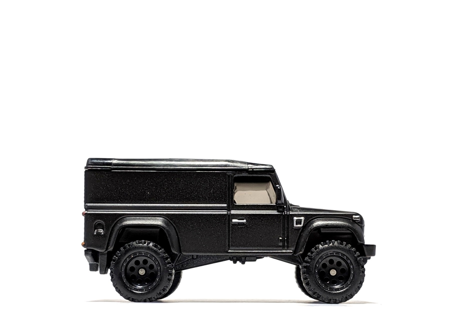 Land Rover Defender 110 Hard Top, by Hot Wheels (Fast & Furious: Furious Off-Road)
