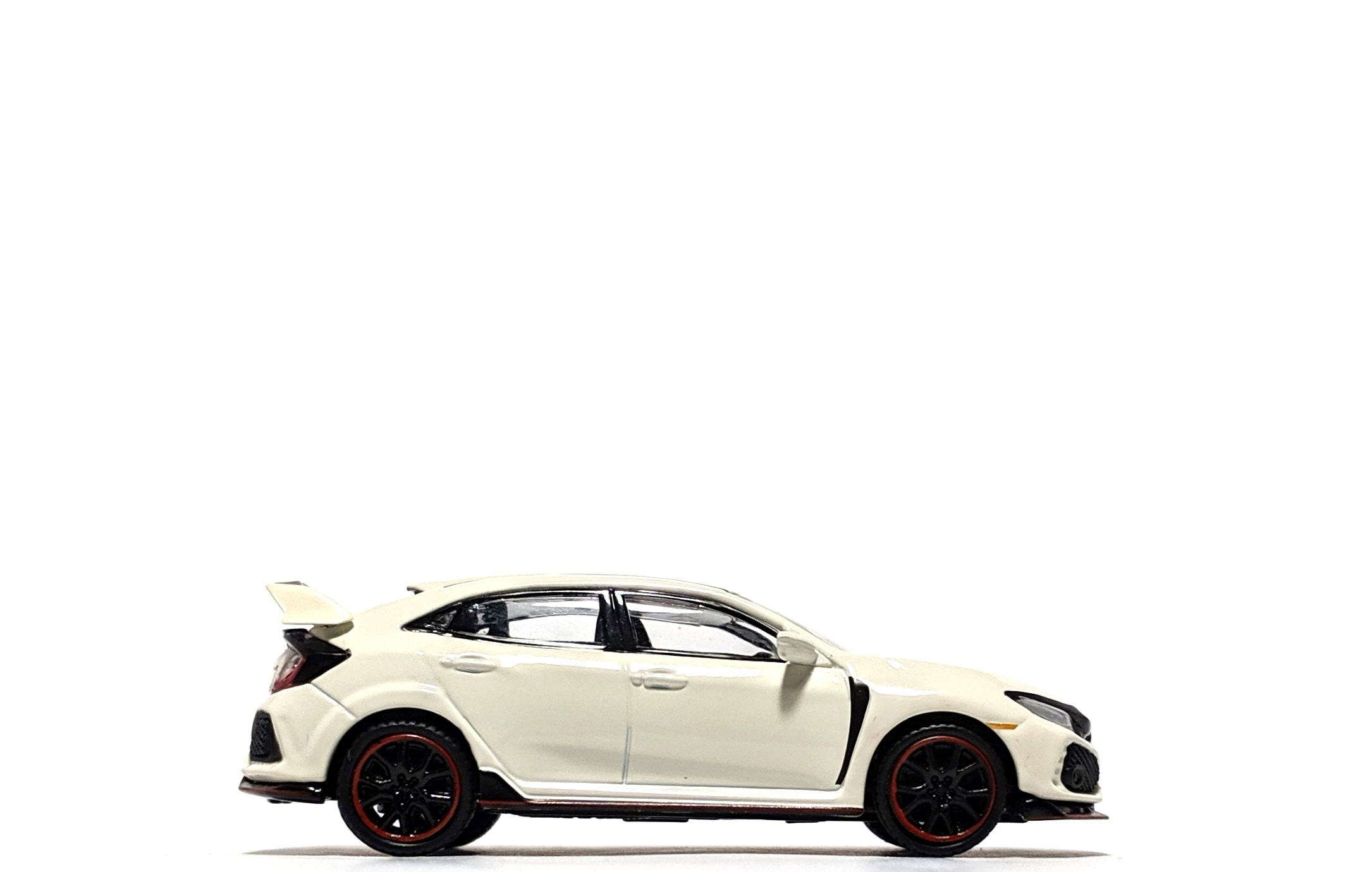Honda Civic Type R in Championship White, by Mini GT