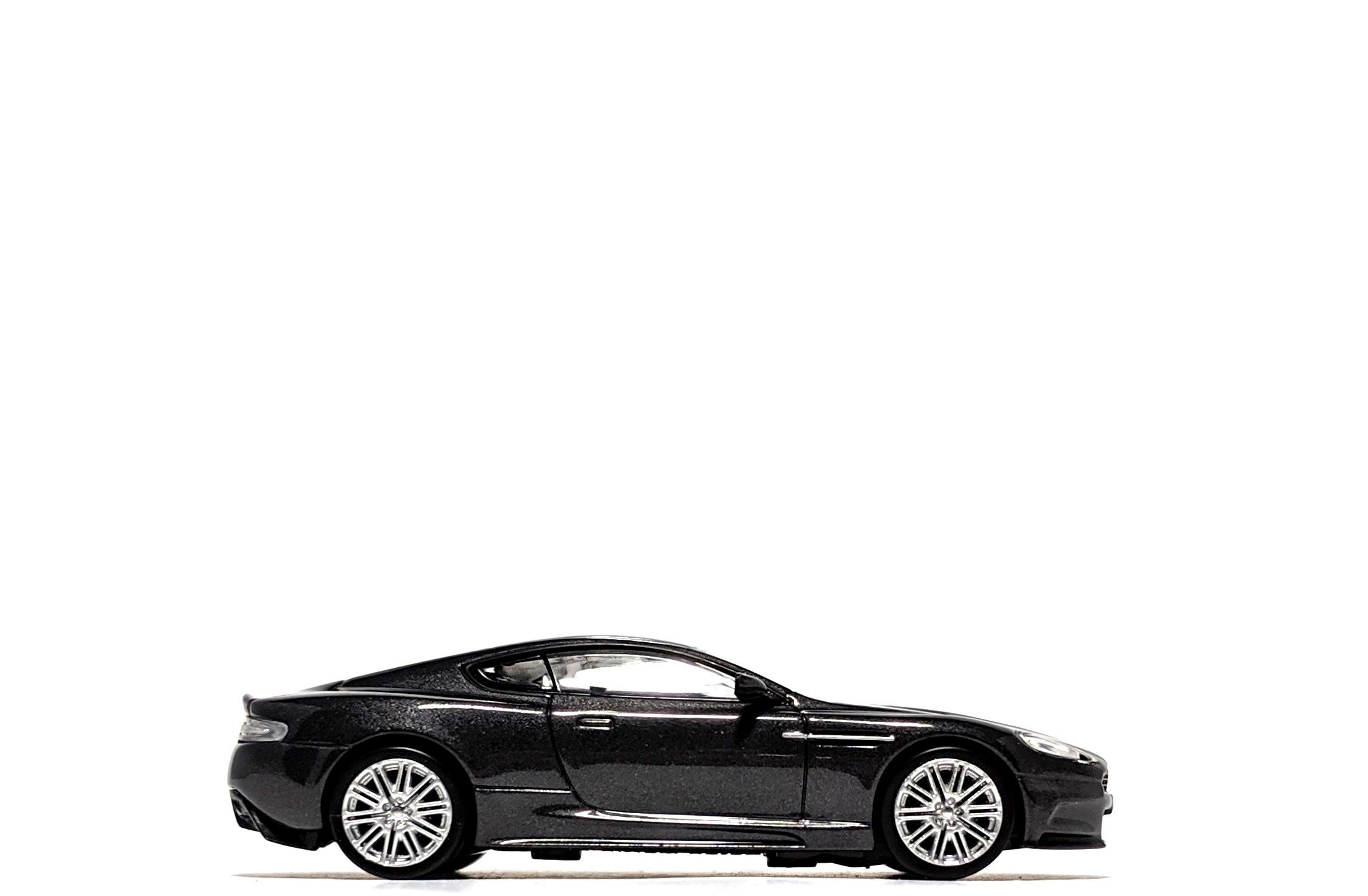 Aston Martin DBS (Casino Royale), by Minichamps