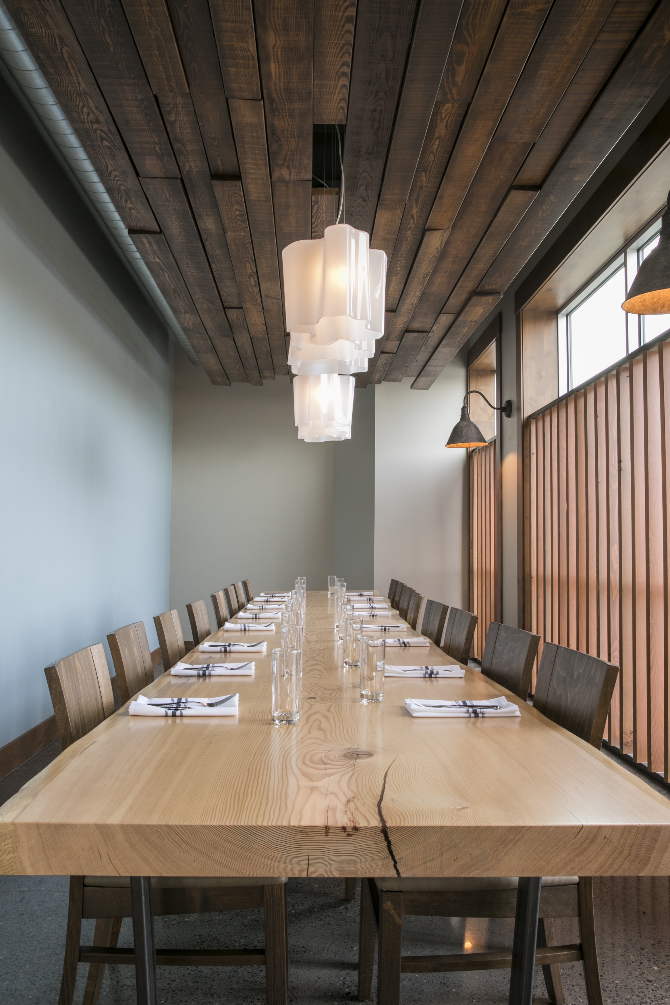 Table700.jpg