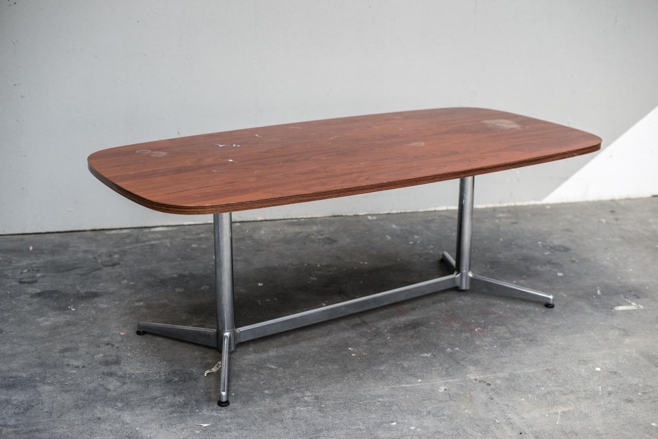 TABLE PIRELLI