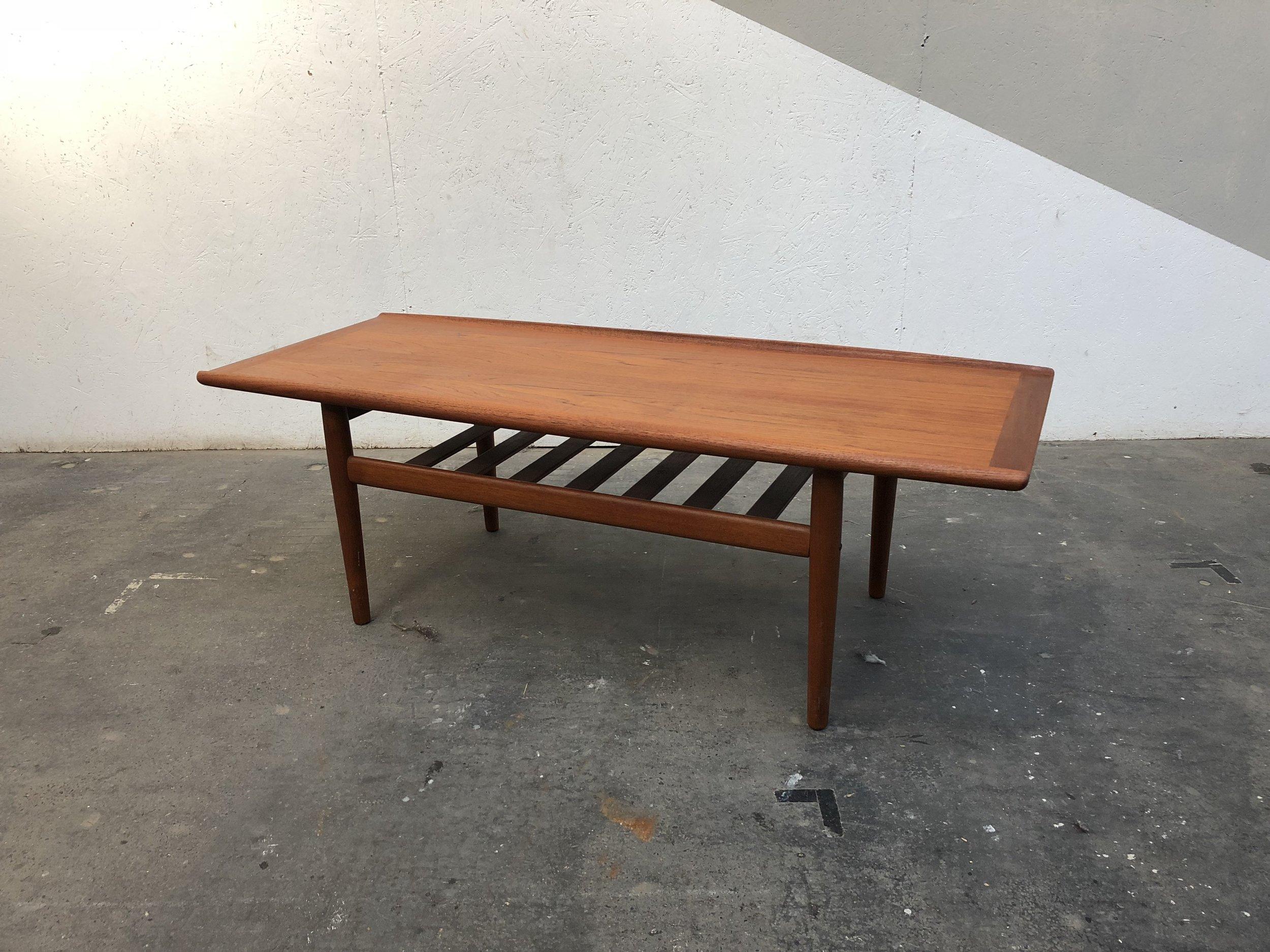 TABLE BASSE GRETE JALK