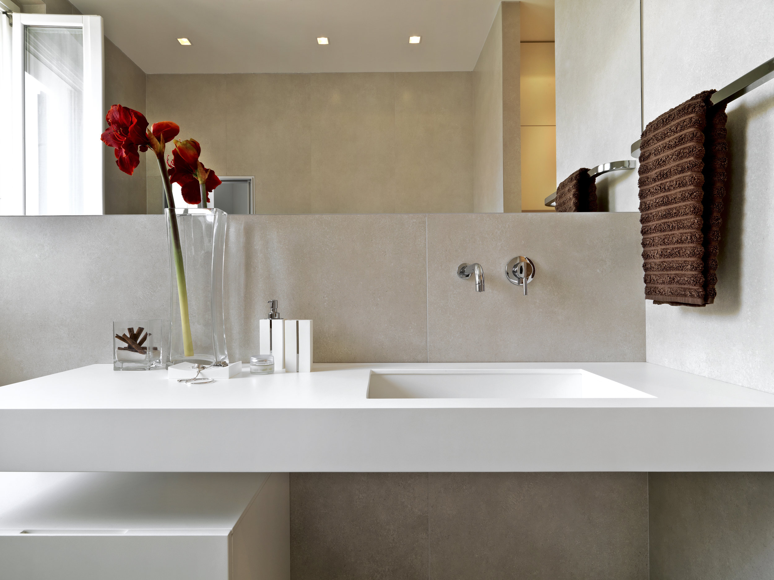Cast Sinks and Bowls - Our Cast Sinks and Bowls are available in various models. They are not only premium quality but are bacterial resistant, easy to clean and maintain. They can be under-mounted which gives you a perfectly integrated bathroom design.