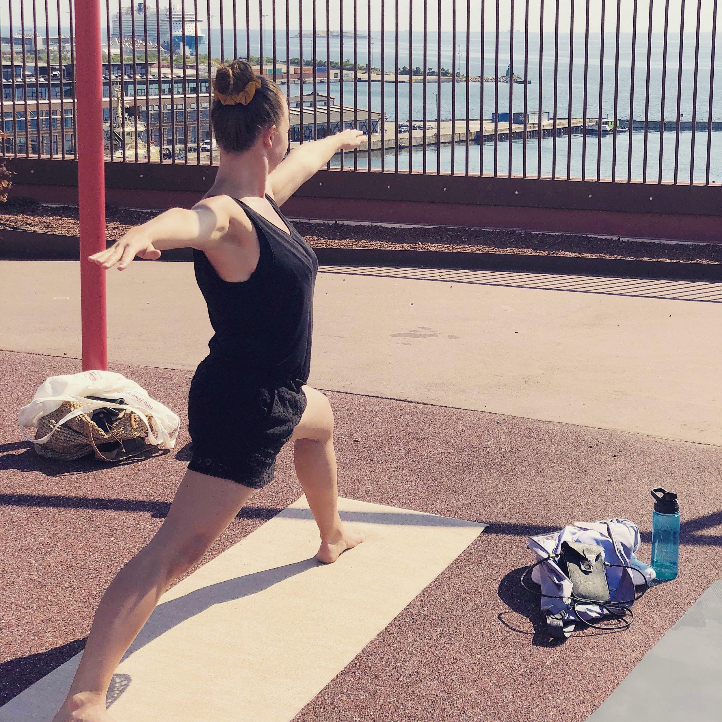 selvomsorg healing kvindecirkel selvkærlighed bevægelse yoga