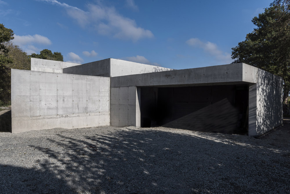 concretehouse2.jpg