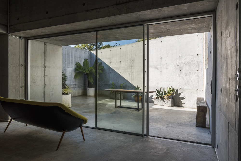 concretehouse3.jpg