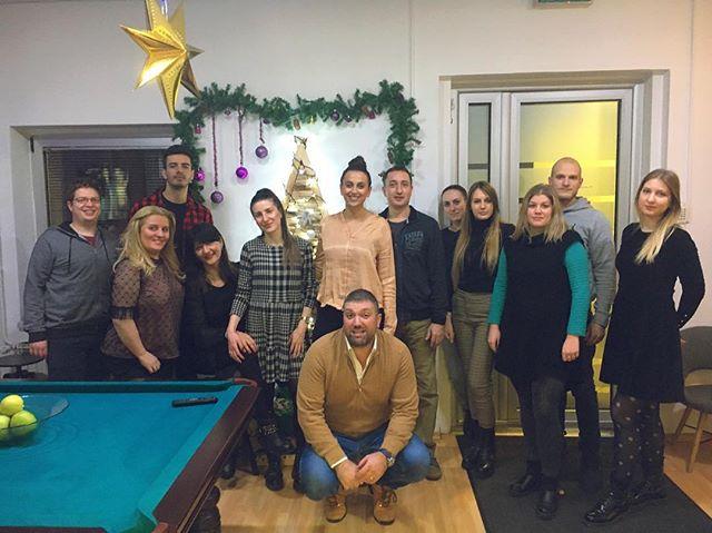 Tim Senor svima želi srećne praznike i puno uspeha u novoj 2019. godini! 🎊☺️🎄🎁 #senor #beograd #belgrade #happyholidays #happynewyear2019