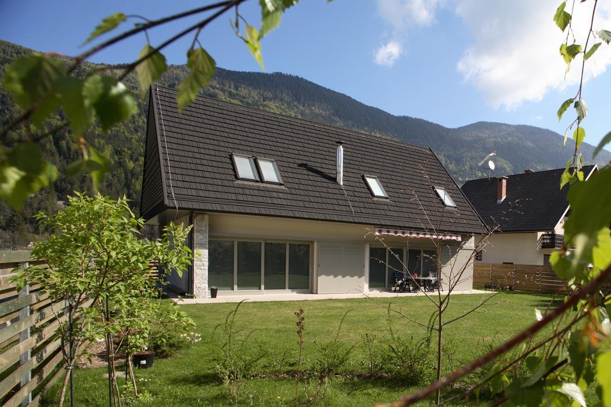 HOUSE IN KRANJSKA GORA  2004