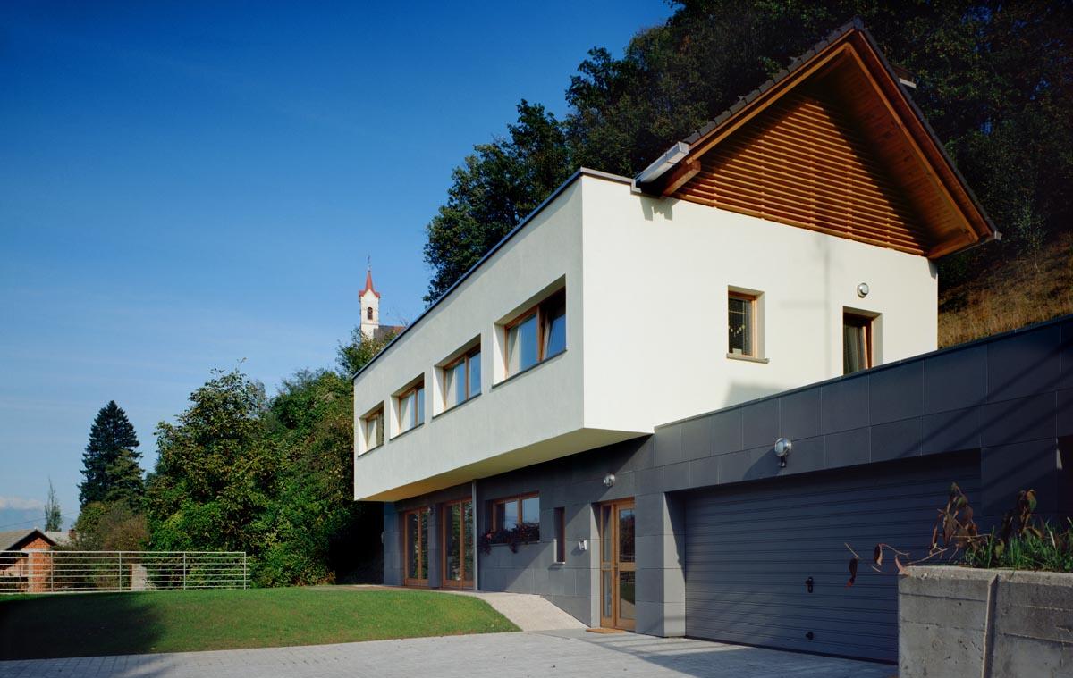 HOUSE KALAN  2001