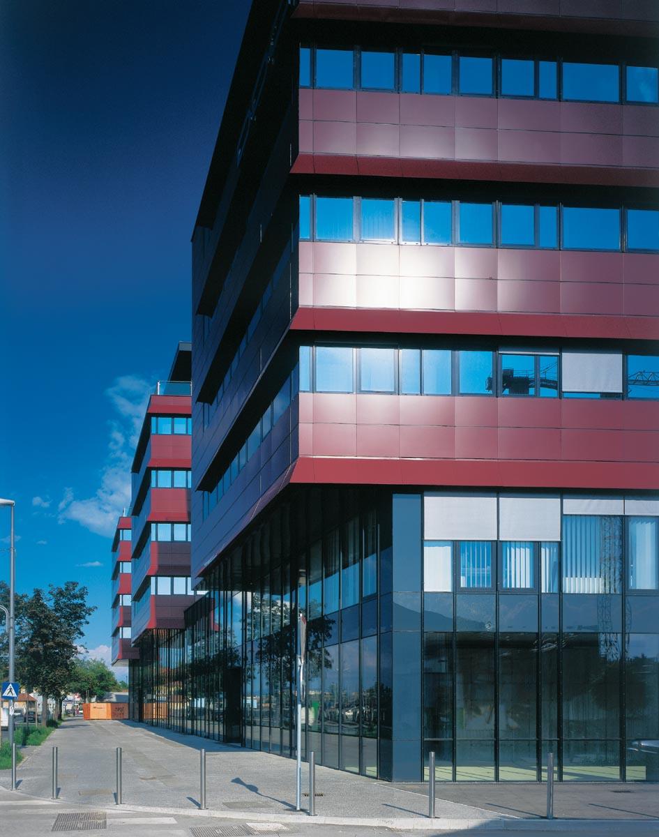 OFFICE BUILDING MASARYKOVA F1  2002