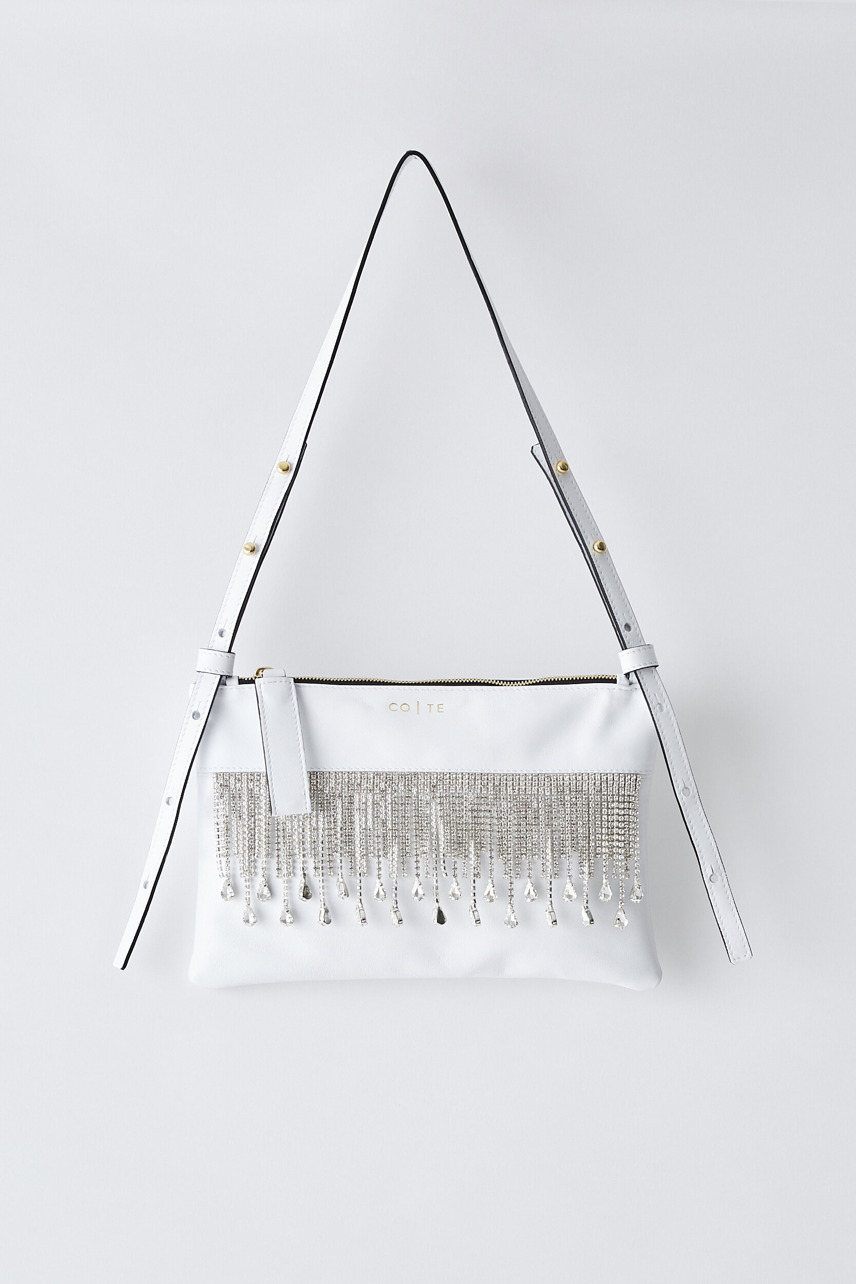 COTE SS2020 Friday Clutch white