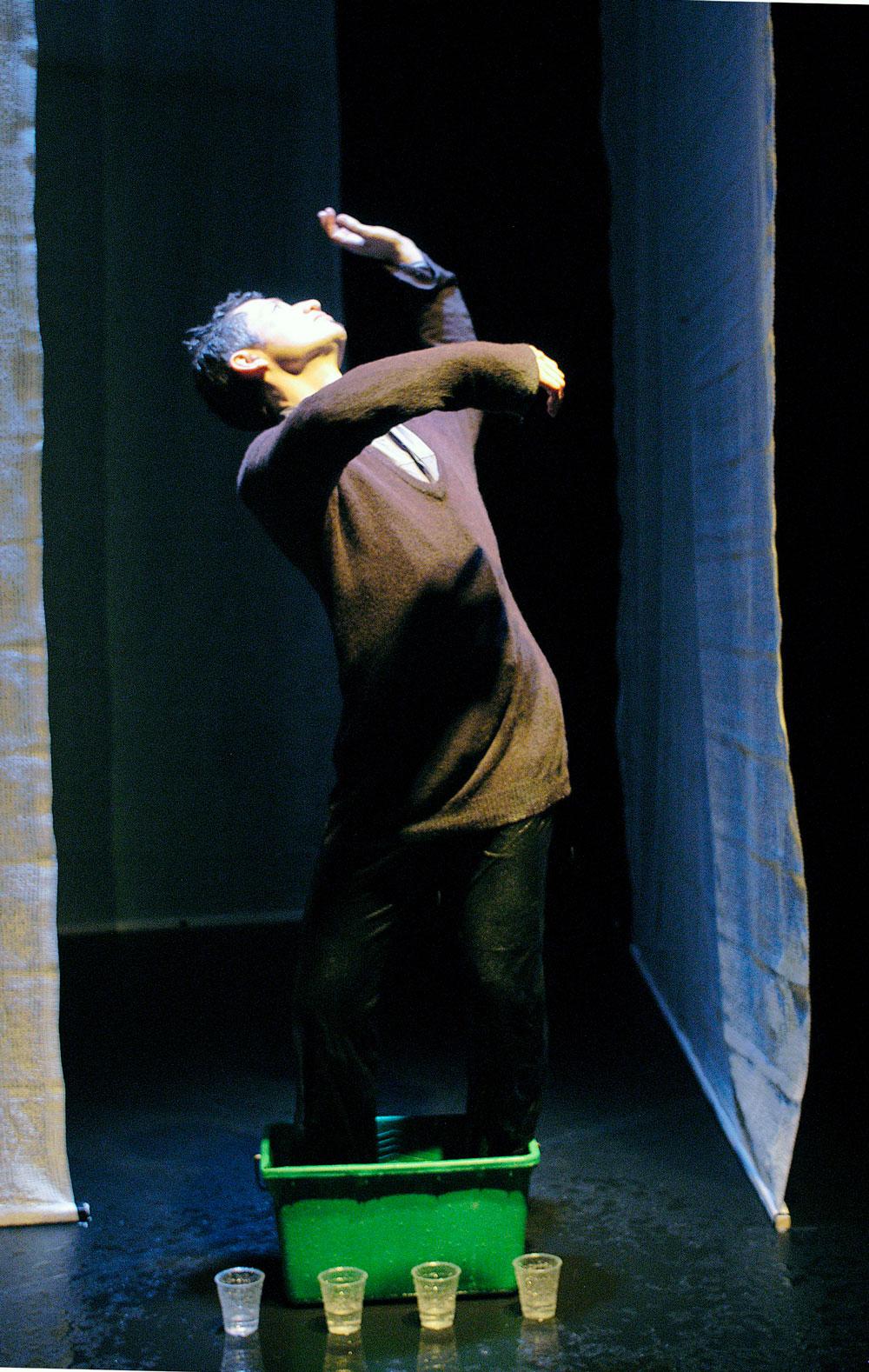 WEB_INFINI34l'homme-qui-pleure-photo-Christian-Lutz.jpg