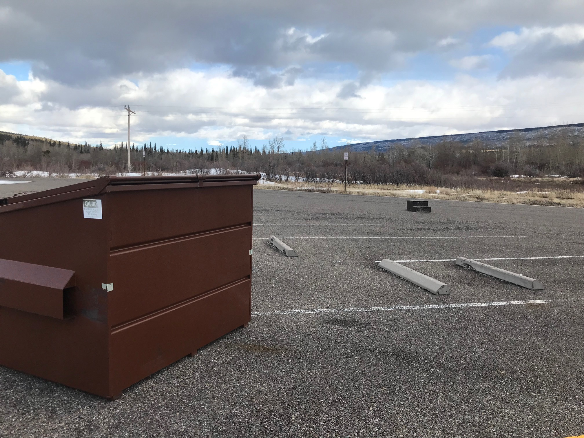 A wayward wooden stepstool was blown into the parking lot, but there were no obvious trash issues otherwise.