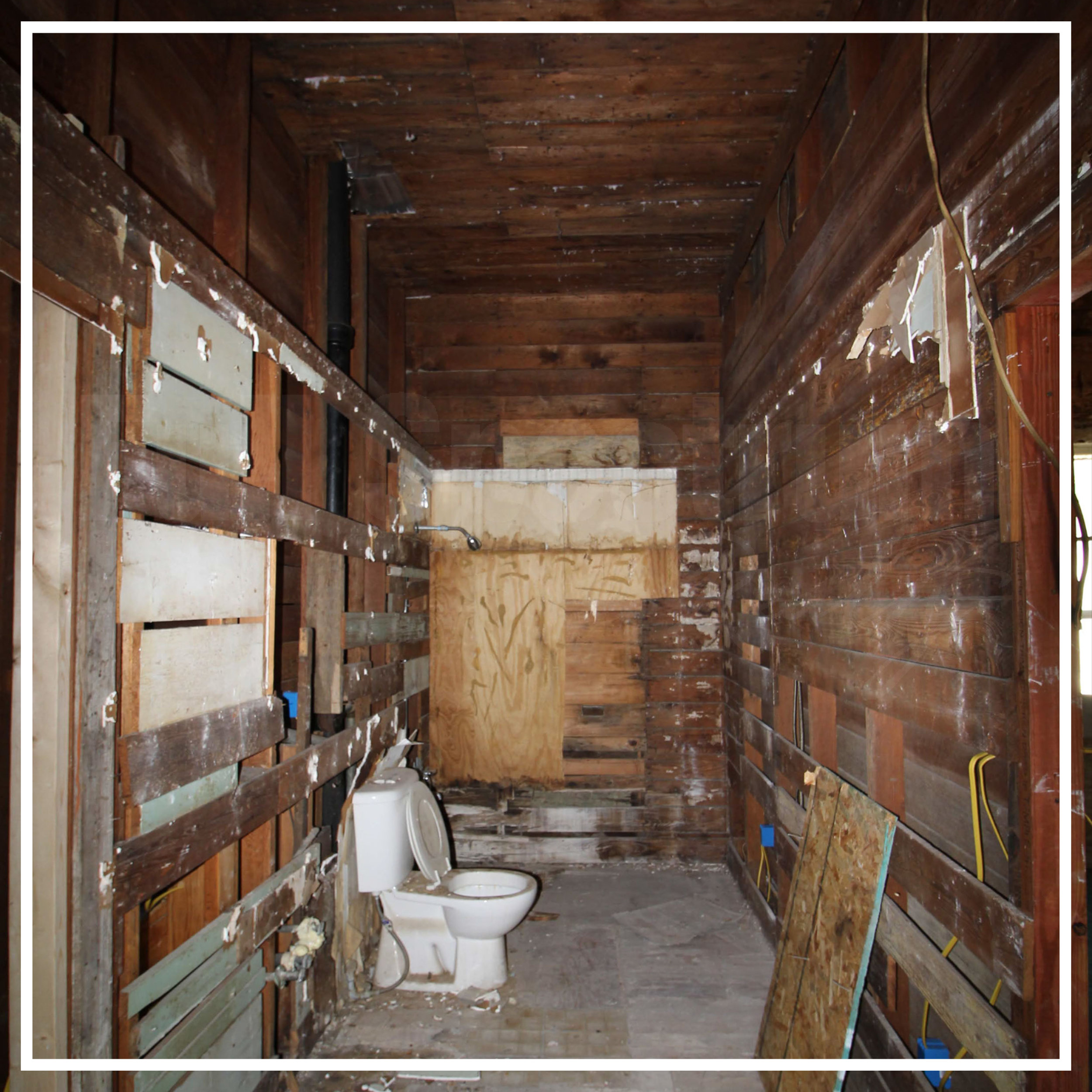 bathroom before photo.jpg