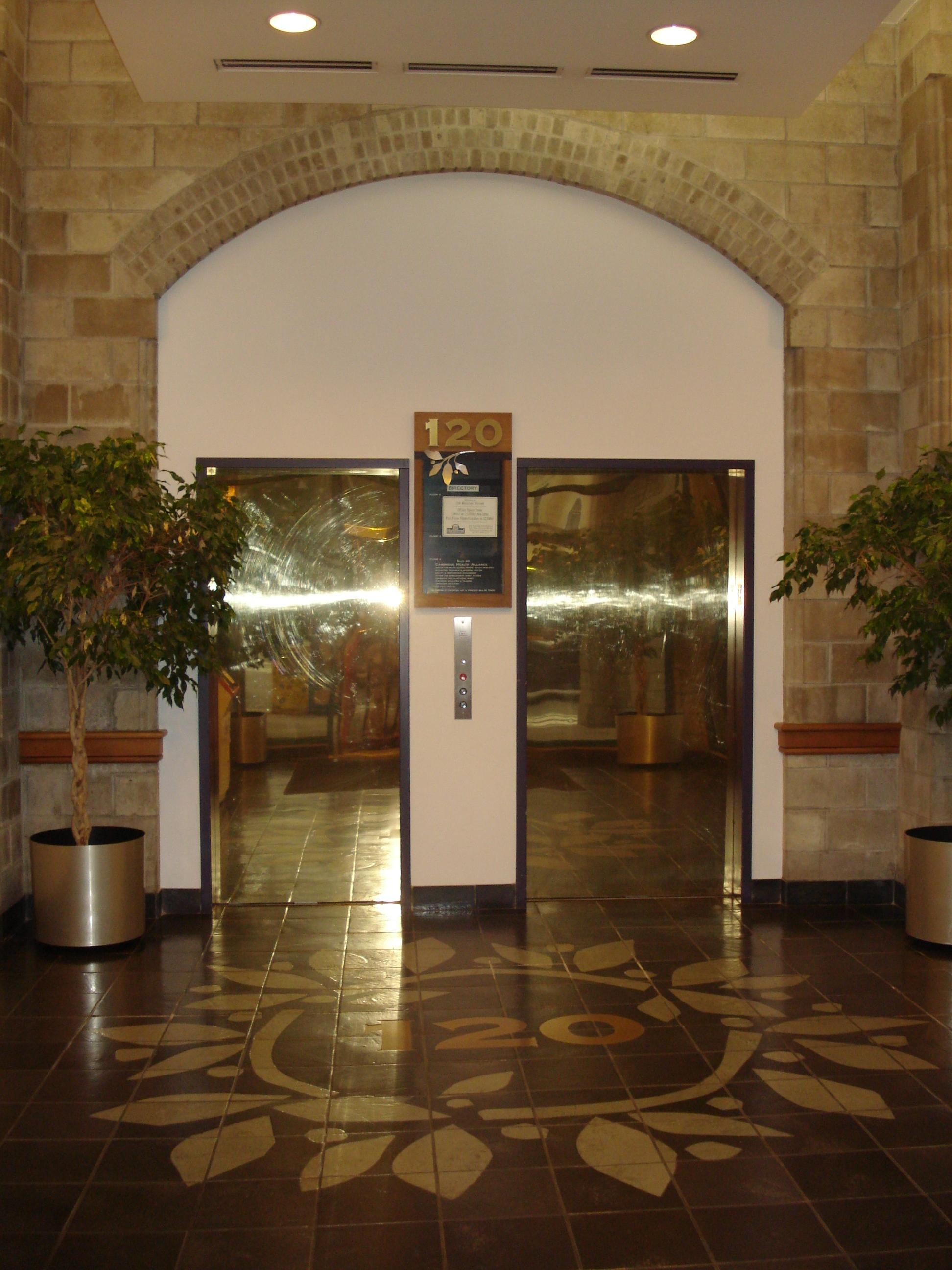 120 Bcn Lobby 2.JPG