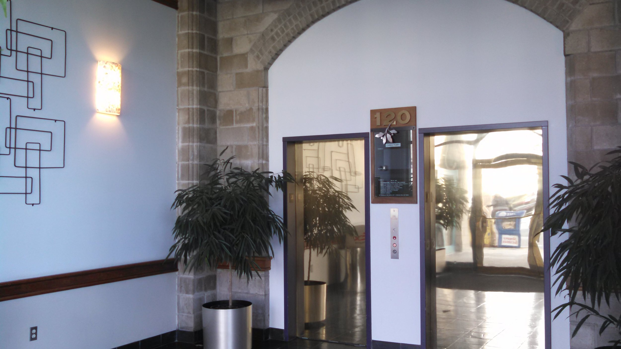 120 Bcn Lobby 3.jpg