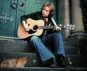 Katnapolsky kattenpension draait jazz muziek voor de katten