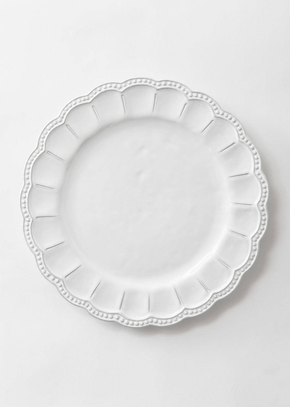 White_Collection_Charger_Plate.jpg