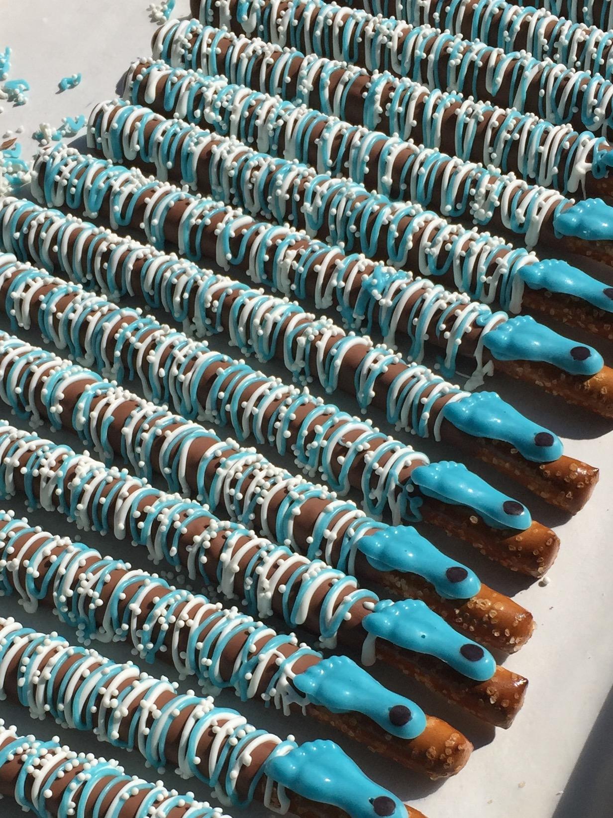 UNC Tarheel Milk Chocolate Pretzels