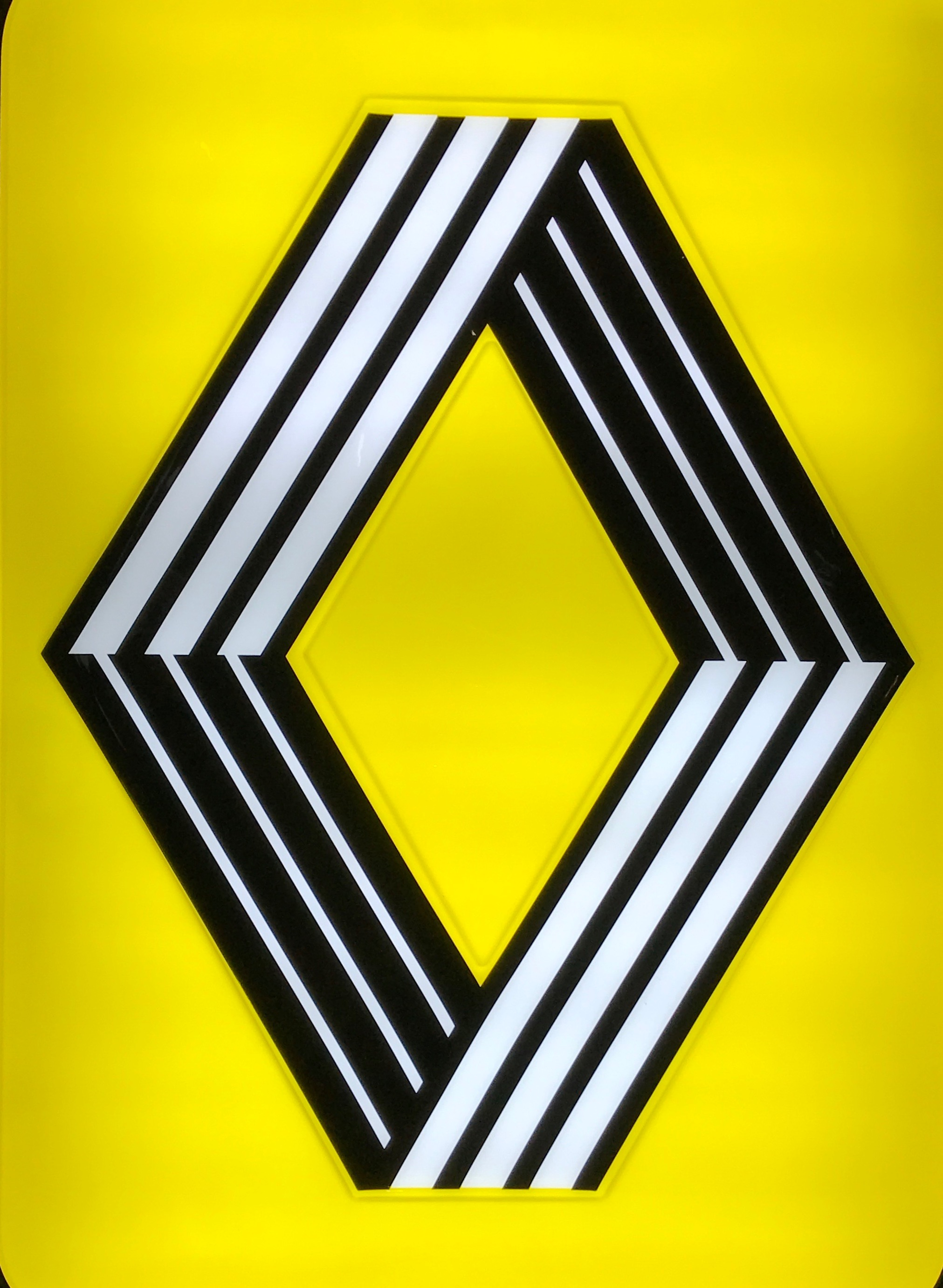 Varsarely designed the Renault logo in 1967