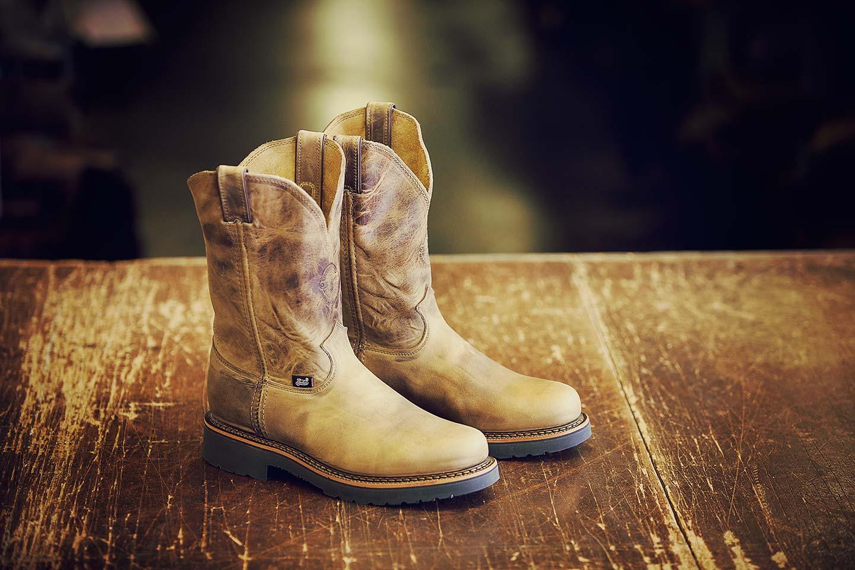 austin-walsh-studio-projects-justin-boots-01.jpg