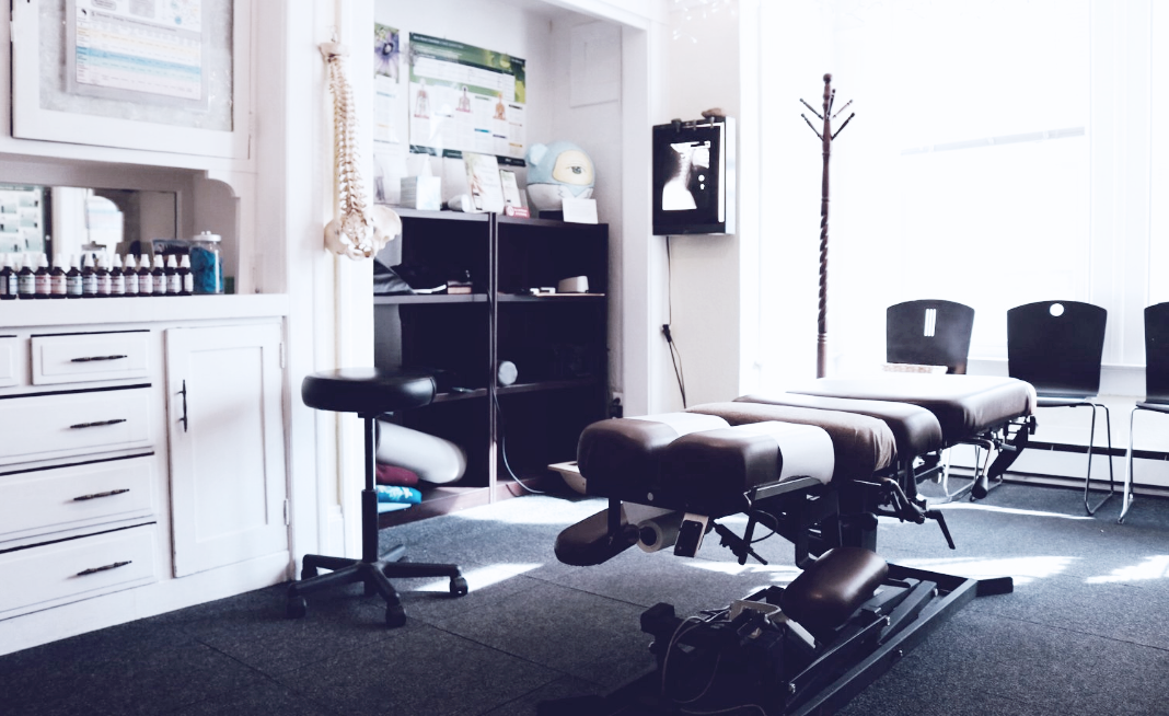 Chiropractor-Oakland.png