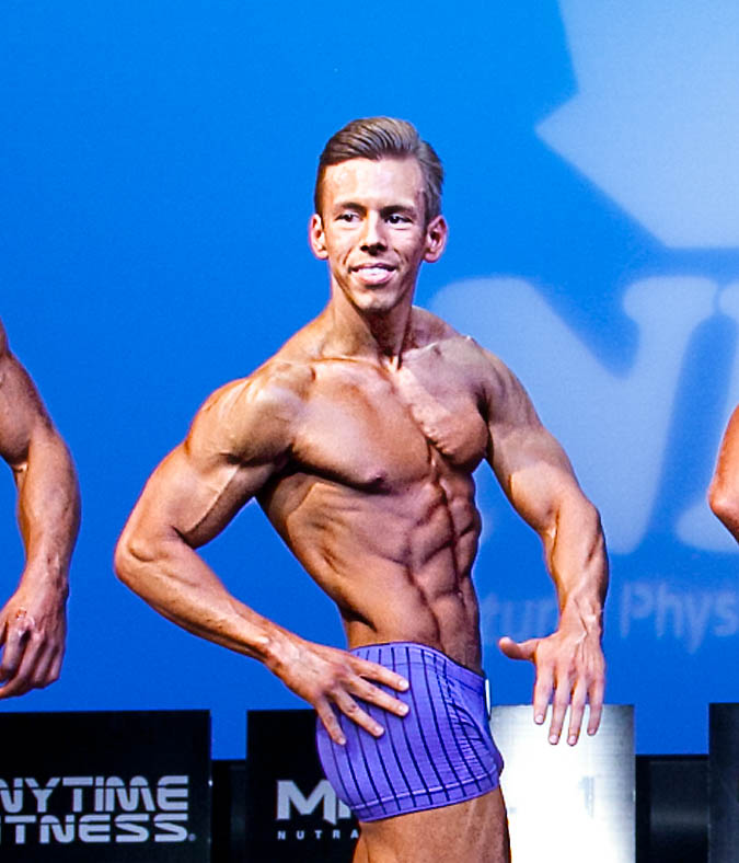 Scott Swaffield online personal trainer in bodybuilding competition
