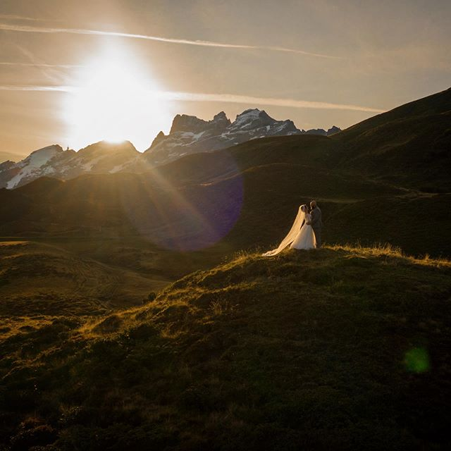 ...when the morning comes... ♡ . . .  @barbaraturiphotography  #adventurewedding #swisswedding #mountainwedding #elopmentwedding #beautifulswitzerland #wedding2019 #wedding2020 #afterweddingshooting #heliweddings #weddinginspiration #swissweddingplanner #destinationwedding #bergzeit #wanderingweddings #wanderingphotographers #junebugweddings #intimatewedding #weddingphotomag #bohostyle #bohowedding  #visitswitzerland #swisselopement #adventureelopement #weddingphotoinspiration