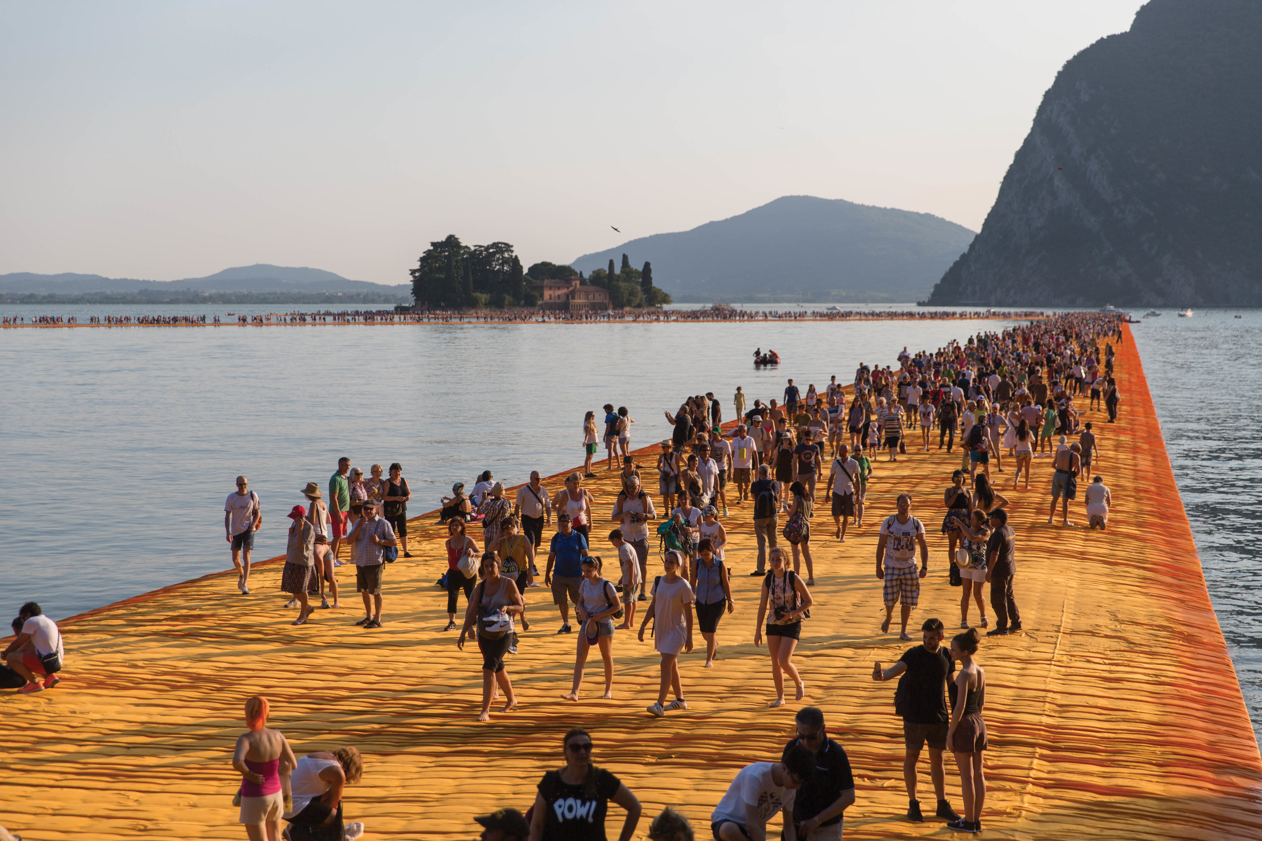 CHRISTO-FLOATINGPIERS-2016©LAMB-913.jpg