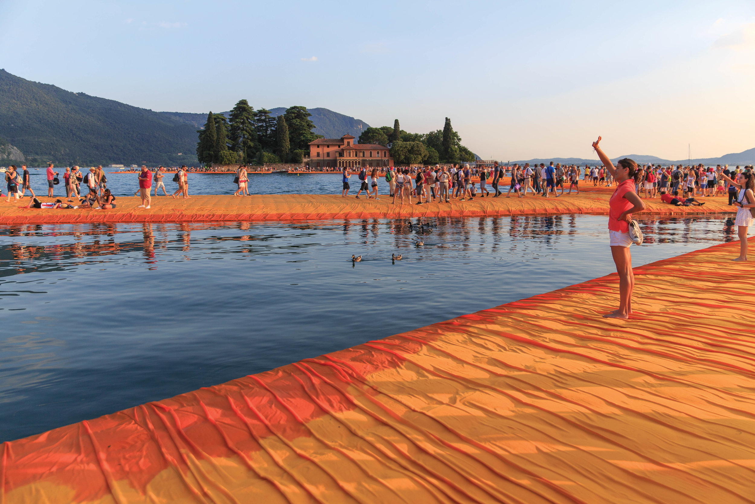 CHRISTO-FLOATINGPIERS-2016©LAMB-931.jpg