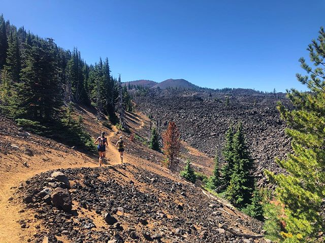 We're beginning to see signs of fall in the mountains! How is summer coming to an end already!? • Photo by @runningdoc_anna during a Three Sisters Circumnavigation last weekend - one of many epic adventures this summer! • What was your favorite adventure this summer? ☀️🏃🏻♀️⛰🤸♀️🧗♀️🚴🏻♀️🌊🏄🏻♀️🏕🧘🏽♀️🏌🏻♀️🏊♀️🚵♀️🗻 #summer #trailrunning #pnw #pct #outdoorwomen #strongertogether #getafterit #wyeastsisterhood
