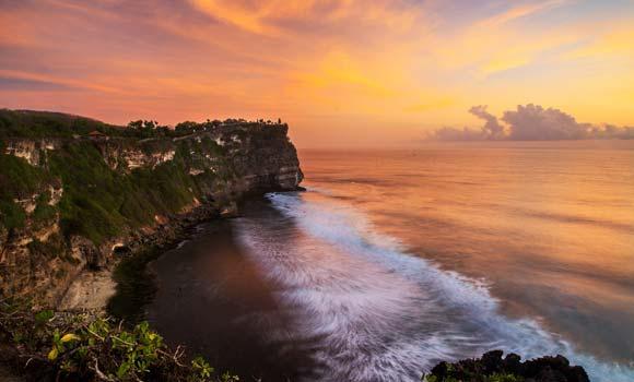 Sunset-Pura-Uluwatu.jpg