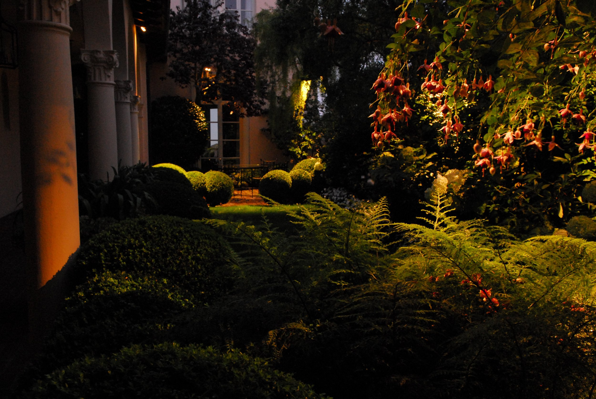 Pacific Heights Evening Photography: Curtis E. Dennison