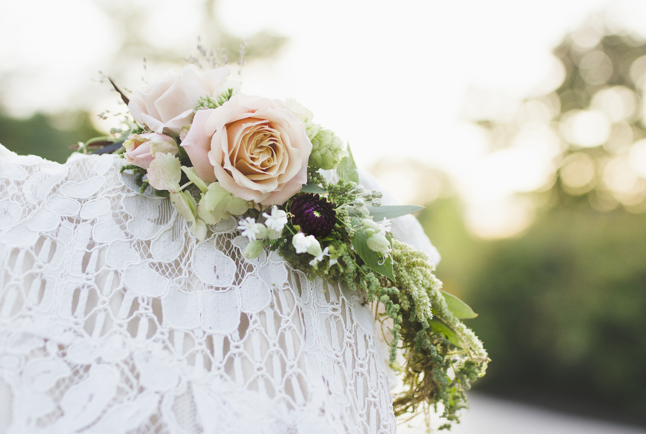 A beautiful flower crown filled with textural elements and flowers…