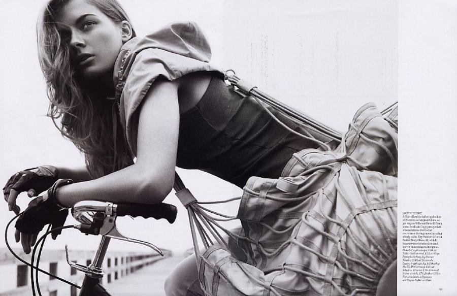 SBStudio_Editorial_british_Vogue_Feb_2006_Carter_Smith_1.1.jpg
