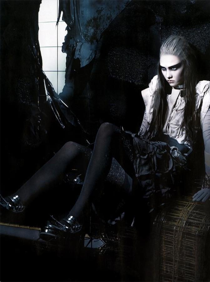 SBStudio_Editorial_Italian_Vogue_FEB_2009_Craig_McDean_5.jpg