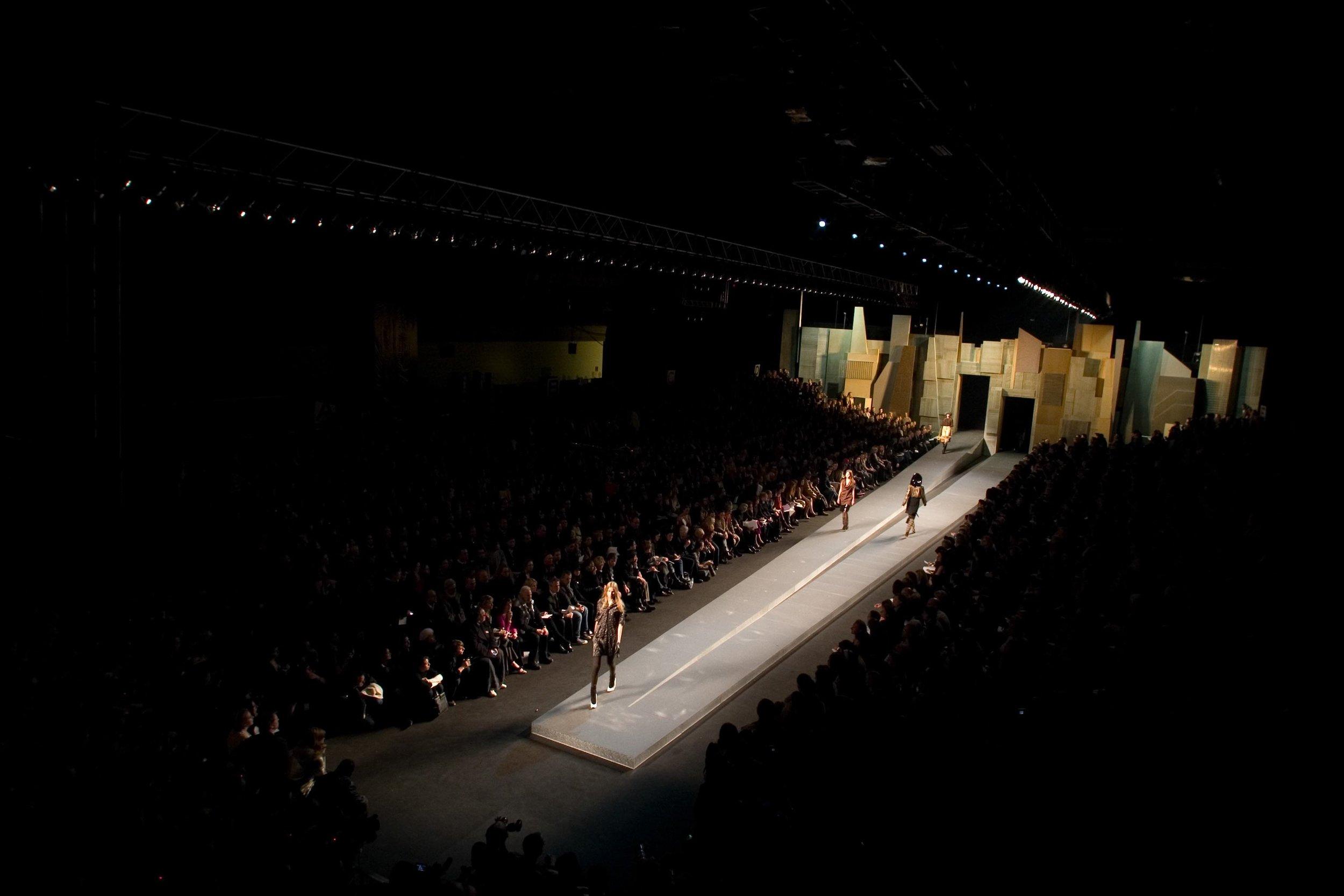2006 SBStudio_Fashion_presentation_Marc_Jacobs_Fall_Winter_.jpg