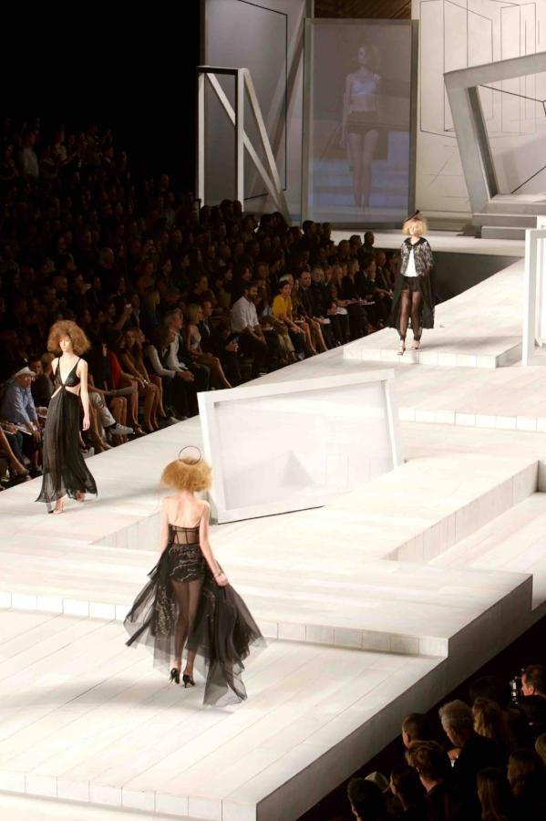 2008 SBStudio_Fashion_Show_Marc_Jacobs_Spring_Summer_1.jpg