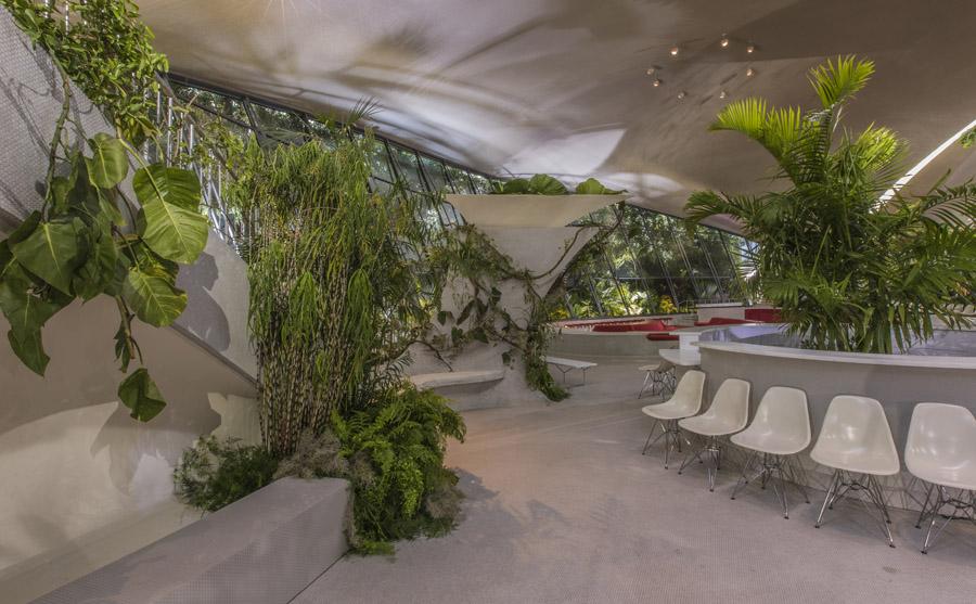 SBStudio_Fashionshow_Louis_Vuitton_resort_2020_2.jpg