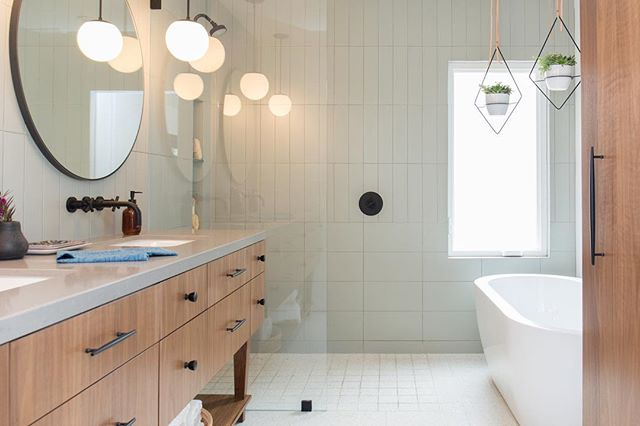 Excited to finally share the #parkestates project I've been working hard on! Here's a teaser of bathroom 1 of 3! #gigikramerinteriors Photo: @rad__man
